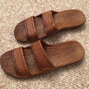Pali Hawaii brown sandals